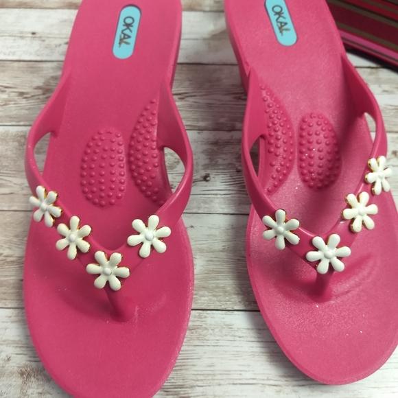 💟3/$15..Oka.B sandals